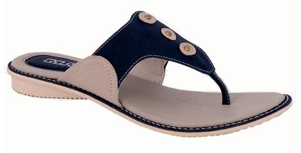 Sandal Jepit Hitam Hiasan Kancing