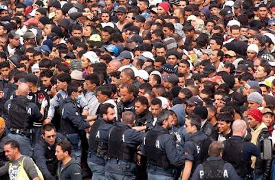 Σοβαρά επεισόδια από λαθρομετανάστες στην Ιταλία