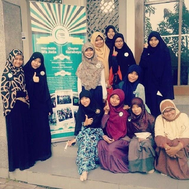 Musrifania Hanna Runtika Muslimah berhijab syari