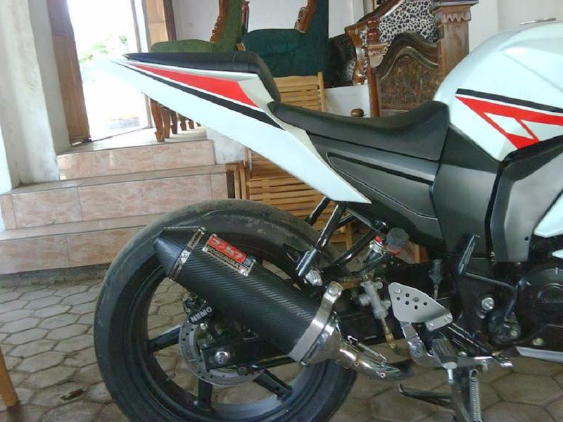 Detail Yamaha Byson Modif Ala FZ R15 2 title=