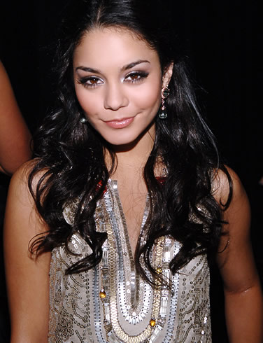 vanessa_anne_hudgens_smiling_Fun_Hungama