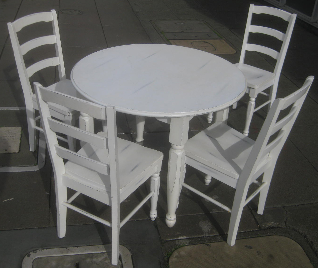 UHURU FURNITURE COLLECTIBLES SOLD Pier 1 Table And