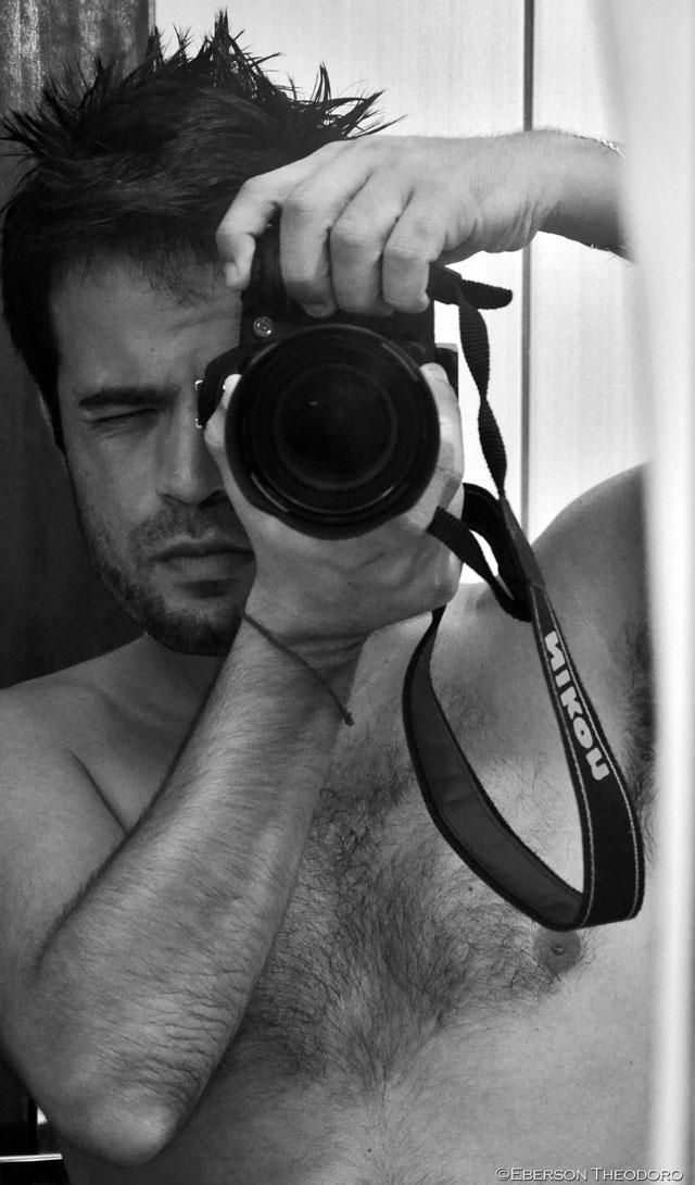 Auto-retrato do jornalista e fotógrafo Eberson Theodoro. Foto: Divulgação
