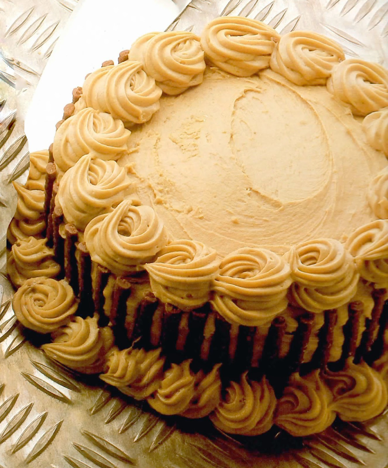 Microwave Coffee House Gâteau: A classic Genoese-style sponge cake with a rich buttercream and walnut frosting that's designed to be cooked quickly in a microwave.