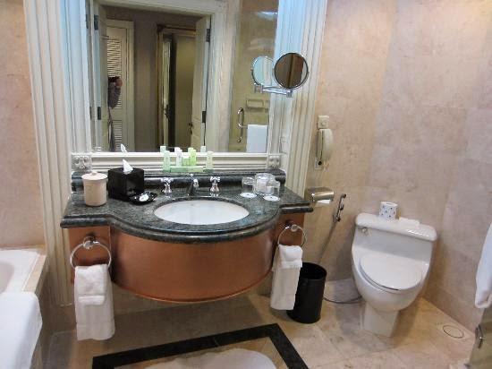kamar mandi hotel jw marriot