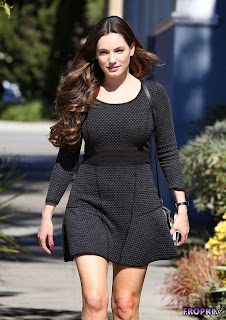 Kelly Brook in Sexy Black Dress going to a castings 3.jpg