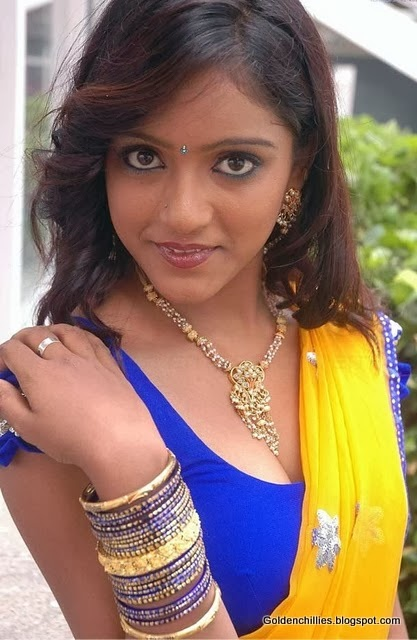 hot keethi navel show