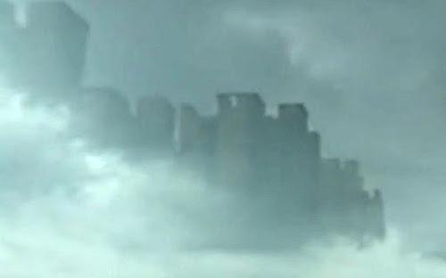 Cidade misteriosa causou pânico ao aparecer flutuando no céu da China