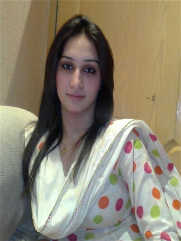 karachi girls facebook Gallery