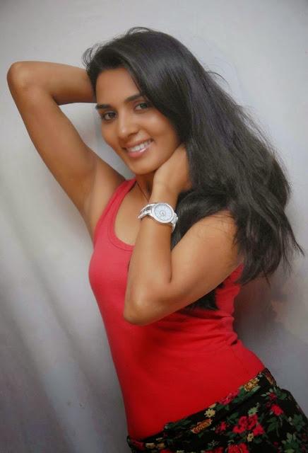 Actress Sindhu Lokanath Photo