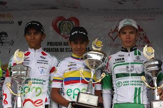 http://1.bp.blogspot.com/-Y-VeGVNHRQA/TV6bPjIWKqI/AAAAAAAAANM/xc279HKq6YQ/s640/podio+final+de+la+Vuelta+de+la+juventud+2010.JPG