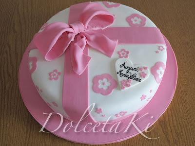 torta fiocco rosa