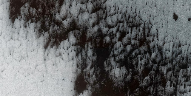 Permukaan-permukaan canggih Planet Marikh