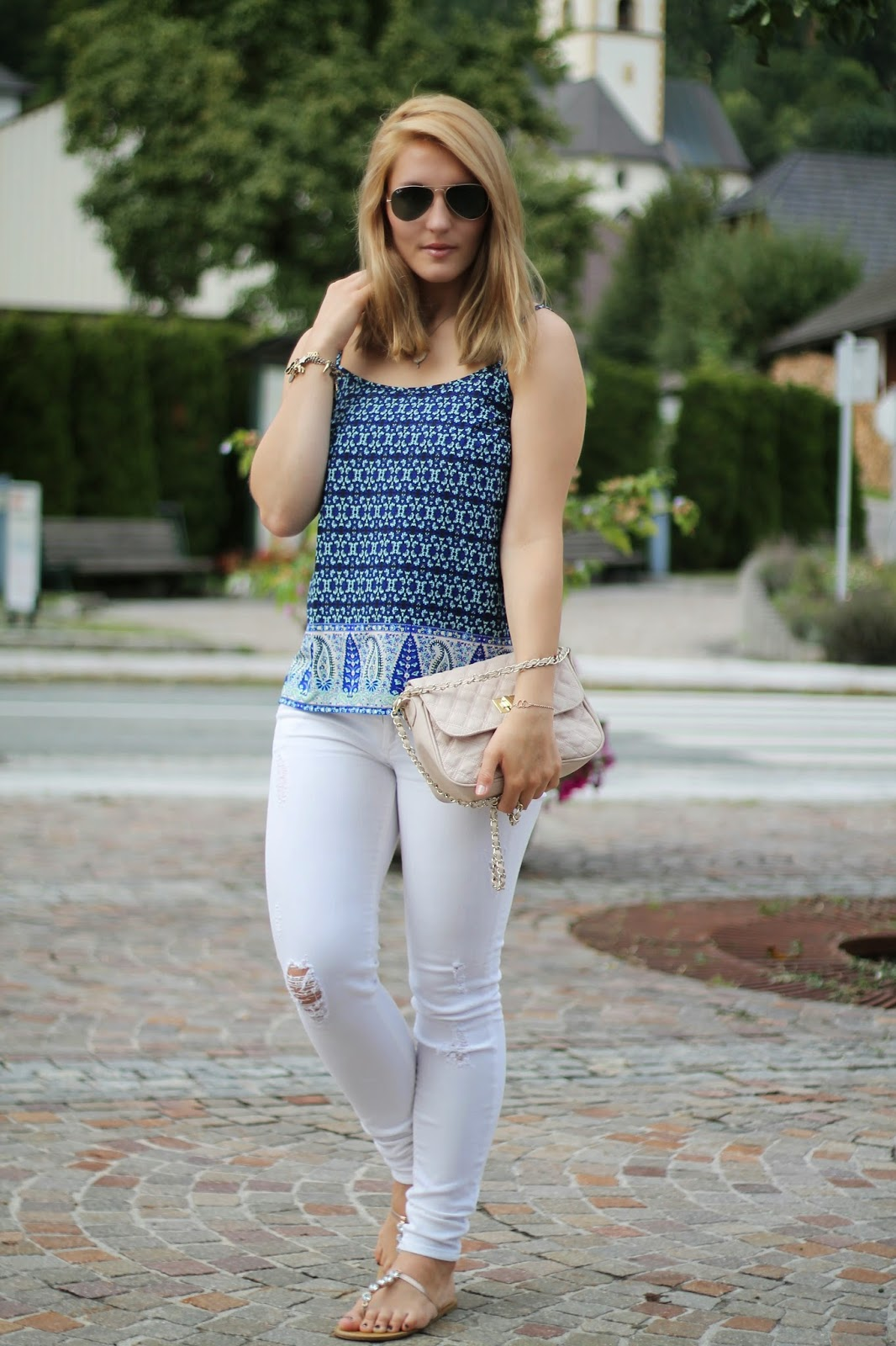 Fashionblogger Austria / Österreich / Deutsch / German / Kärnten / Carinthia / Klagenfurt / Köttmannsdorf / Spring Look / Classy / Edgy / Summer / Summer Style 2014 / Summer Look / Fashionista Look /   / Summer Look / Mango / Tally Weijl / Asos / Ray Ban / Primark / Camisole Top / White Jeans / Ray Ban Aviator Sunglasses /