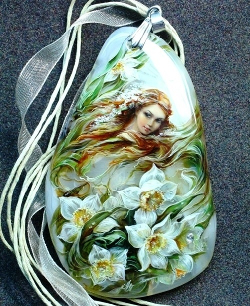 Natural Stone Art : Miniature painting on natural stone art craft projects