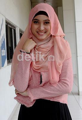 Foto-Foto Artis Cantik Meyda Sefira (Muslimah)