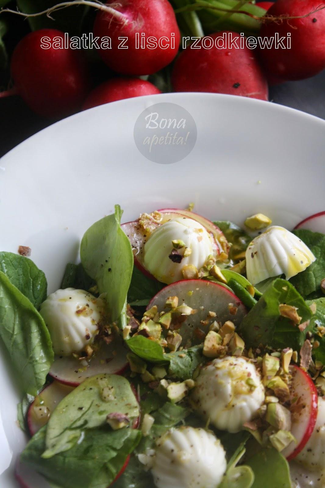sałatka z pistacjami