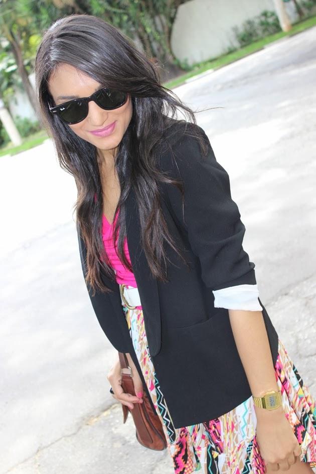 look do dia, blog de moda, rayban, blazer preto, renner, vestido étnico, bolsa carteiro, bolsa de couro, vestido com blazer