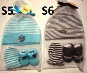 RM19 - Set Mitten, Booties & Hat
