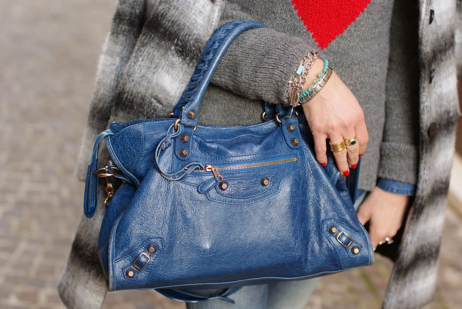 Balenciaga City cobalt blue, BVLGARI ring, Fashion and Cookies, fashion blogger