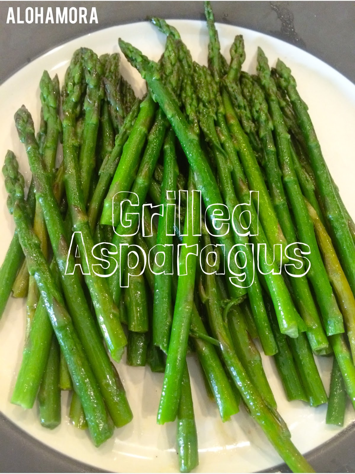 Recipe and steps to easily grill asparagus for a healthy vegetable side dish that is fast to make and uses only aluminum foil  so the clean up is a quick..  Alohamora Open a Book http://www.alohamoraopenabook.blogspot.com/