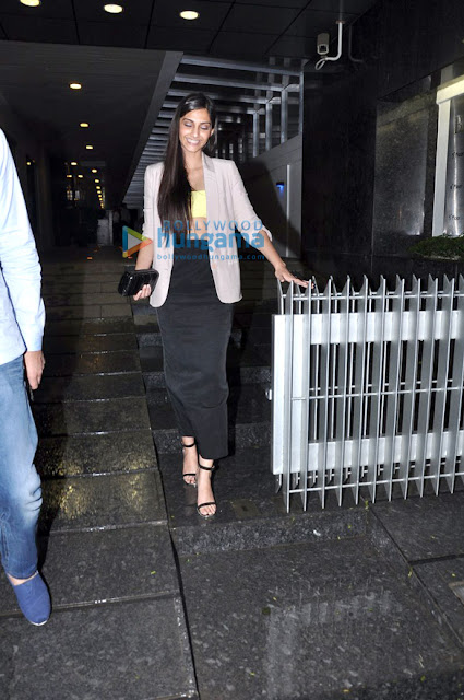 Sonam & Rhea Kapoor snapped at Hakkasan with friends