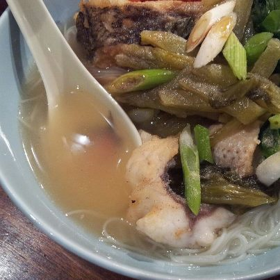 Hungry female fish head rice noodle soup for Rice noodle fish