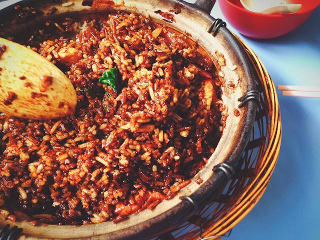 Chicken Claypot Rice at Yuan Fa Claypot Rice Chinatown