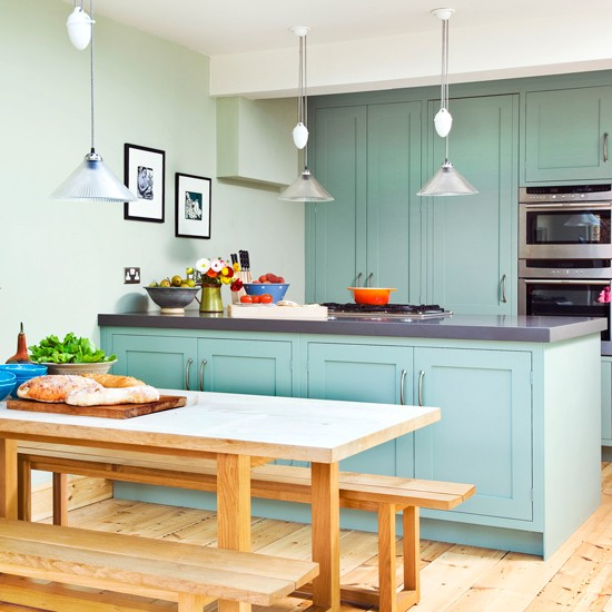Decoração de cozinha com armario azul claro