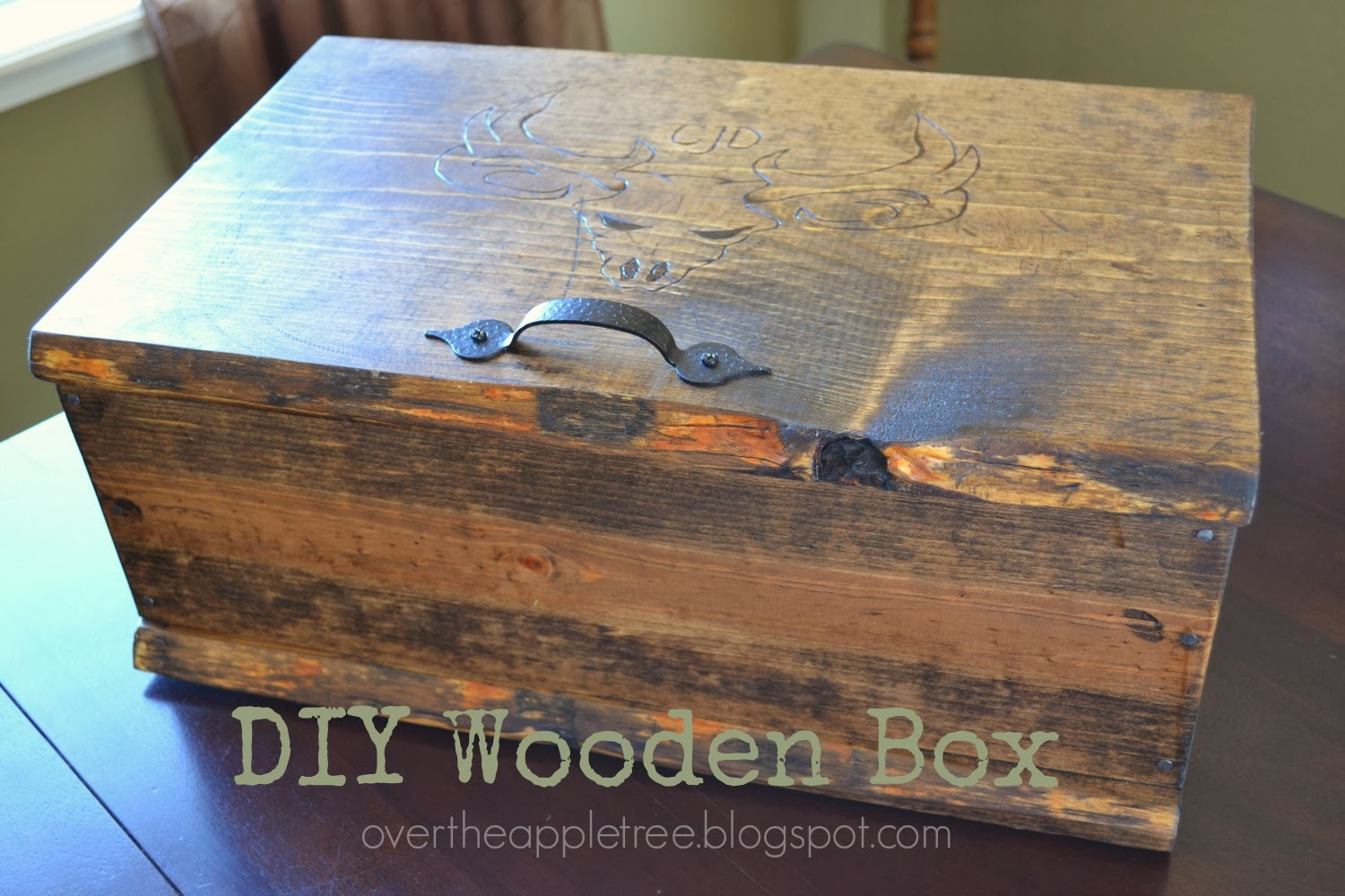 Over the apple tree diy wooden box for Diy decorative wood boxes