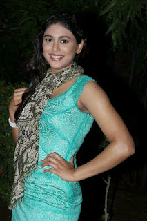 Actress Manisha Yadhav Latest Pictures in Short Dress  0004