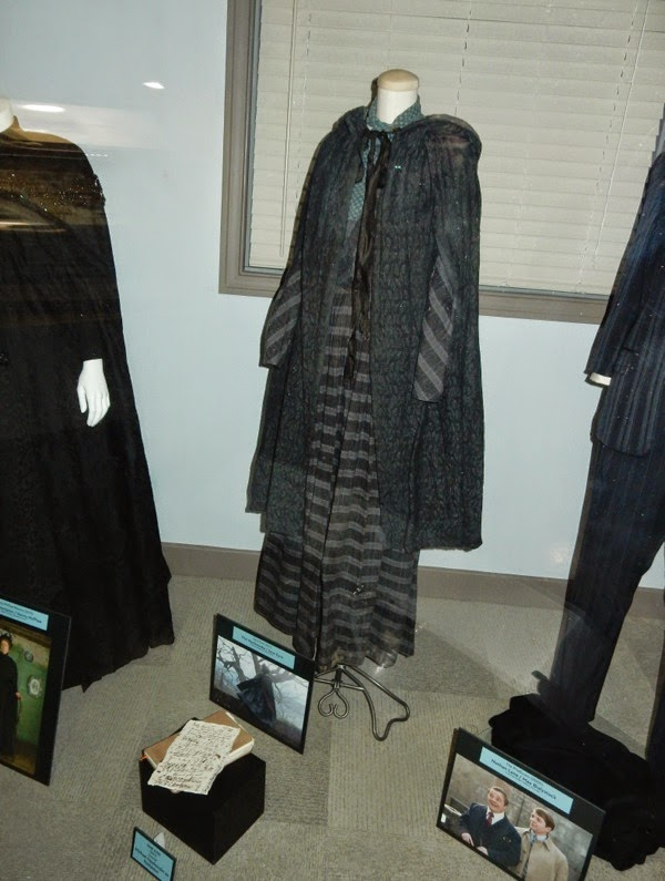 2011 Jane Eyre movie costume