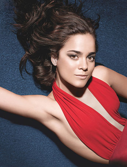Alice Braga Hairstyle 2