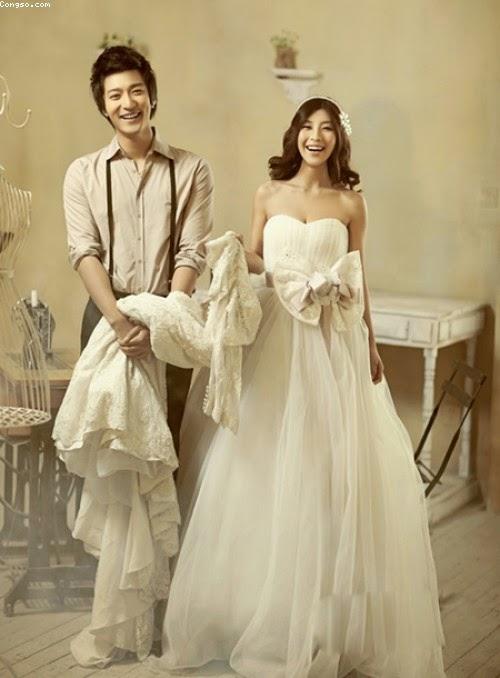 Chọn váy cưới cho cô dâu mang bầu duyên dáng