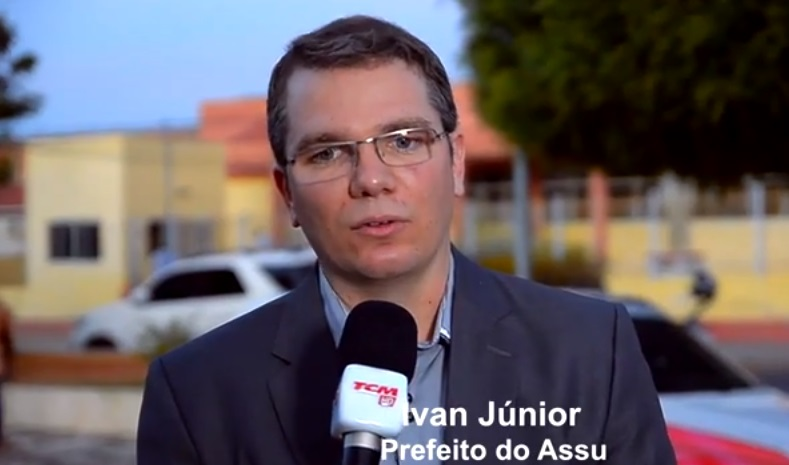 Resultado de imagem para ivan junior prefeito e robinson faria