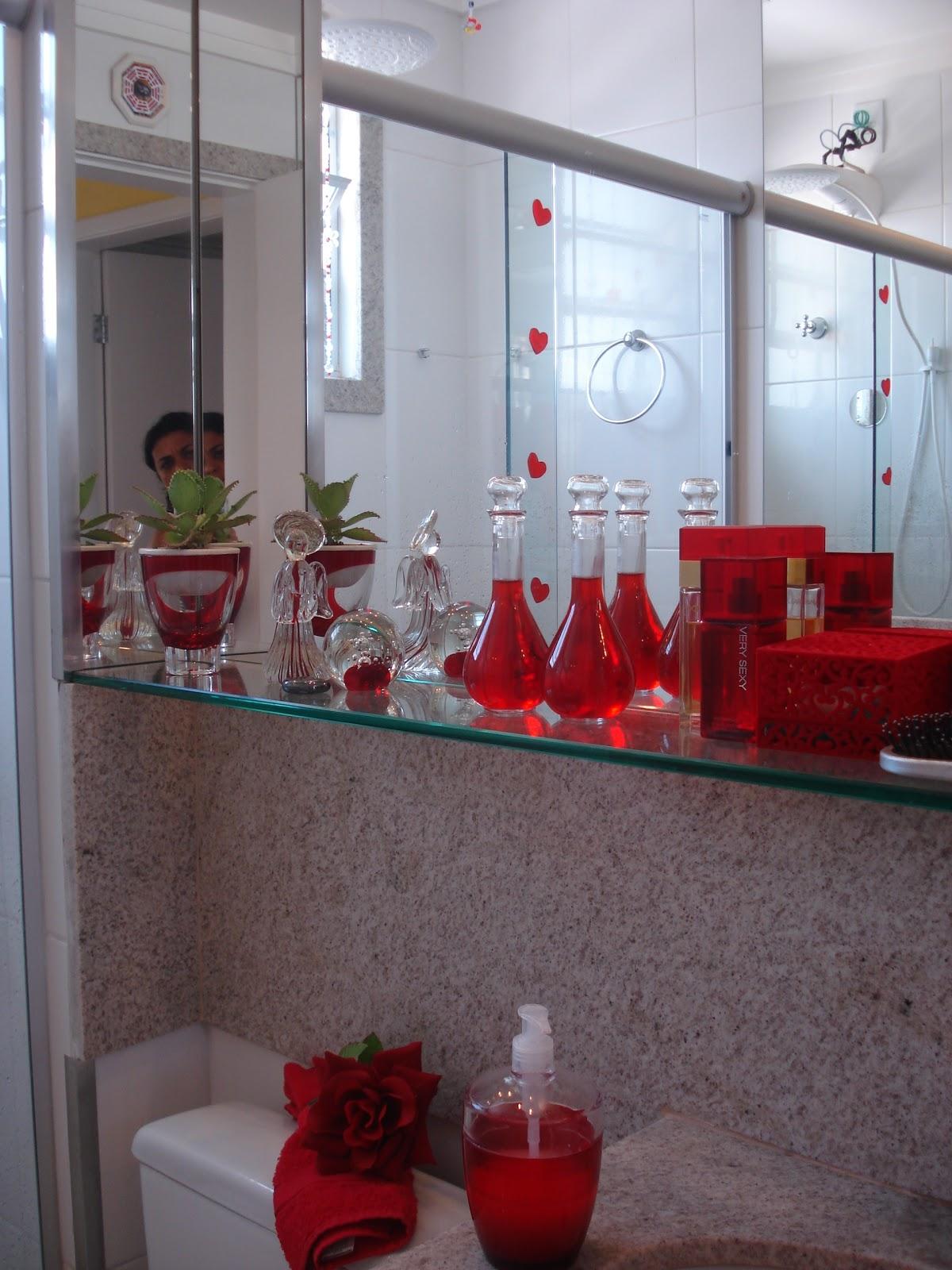 espelhos no teto para equilibrar energia dos banheiros banheiro no  #B31820 1200 1600