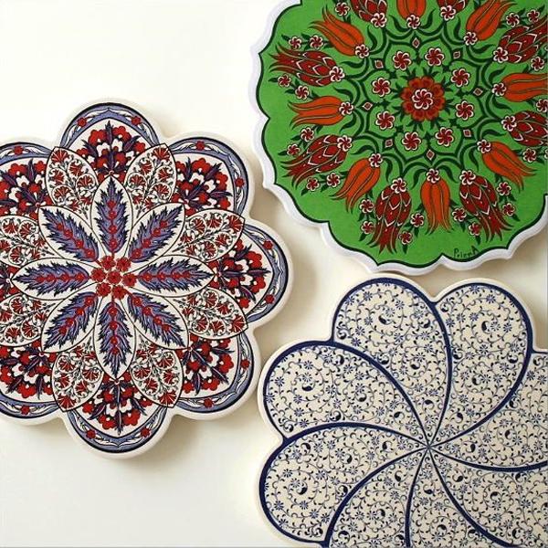 トルコ製 セラミックの鍋敷き