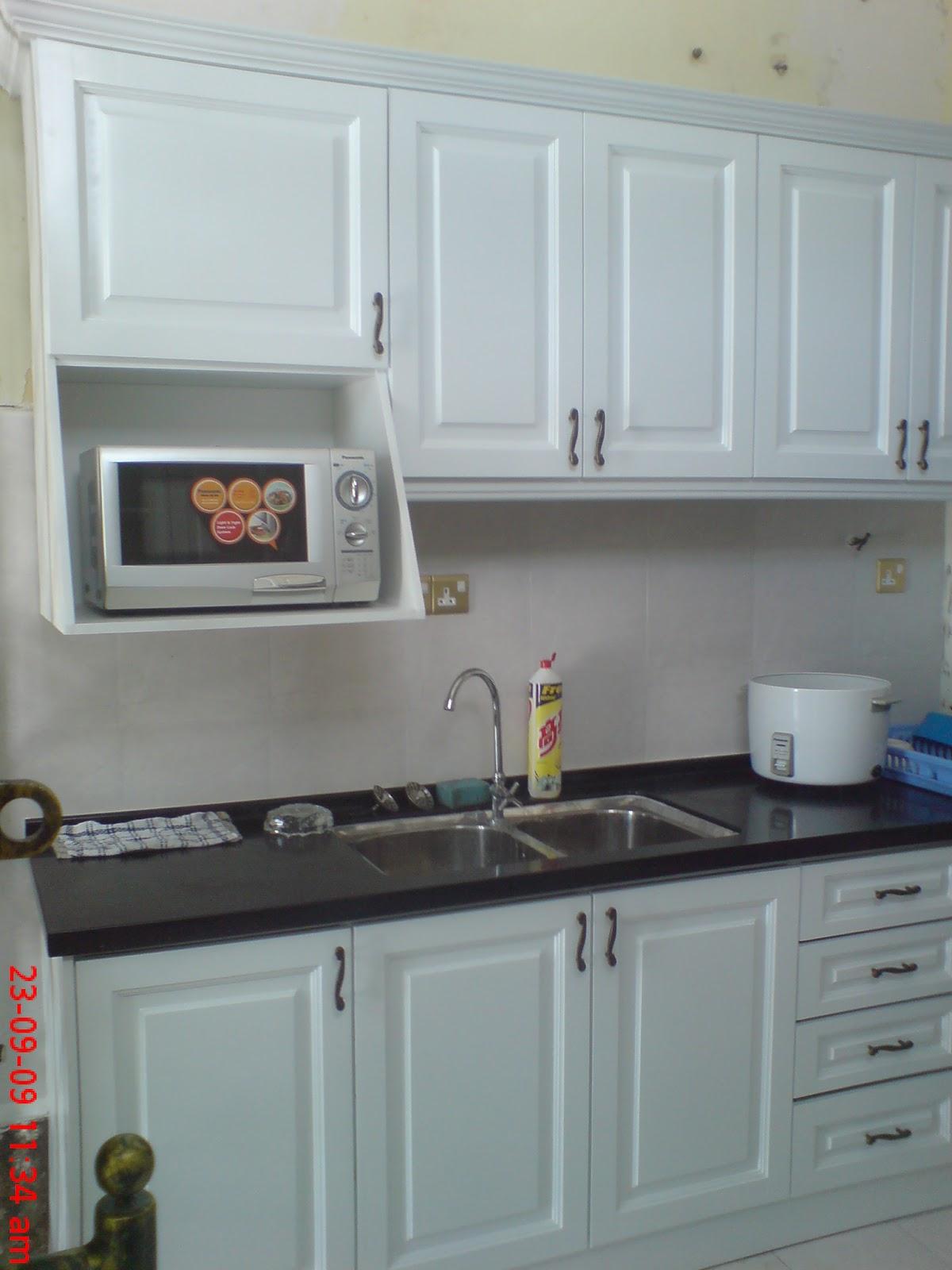 OSK Kitchen Cabinet: Kitchen Cabinet (Nyatoh Wood)