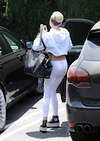 Miley Cyrus getting out of her car
