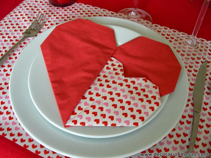 decoracion mesa San Valentin servilleta corazon