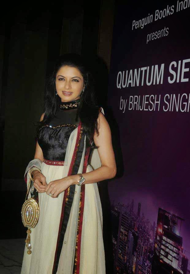 Bhagyashree at Brijesh Singh's book 'Quantum Siege' launch