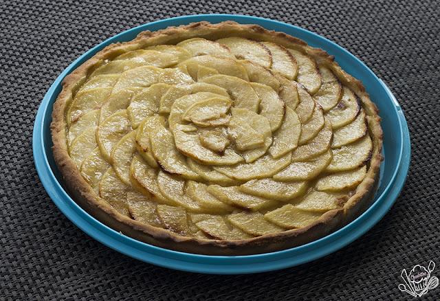 http://danslacuisinedecharlottine.blogspot.fr/2015/06/une-tarte-aux-pommes-tout-simplement.html