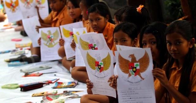 Peringati Hari Pancasila, Pelajar Gelar Pawai Lampion ~ SMP NEGERI 2 KADEMANGAN