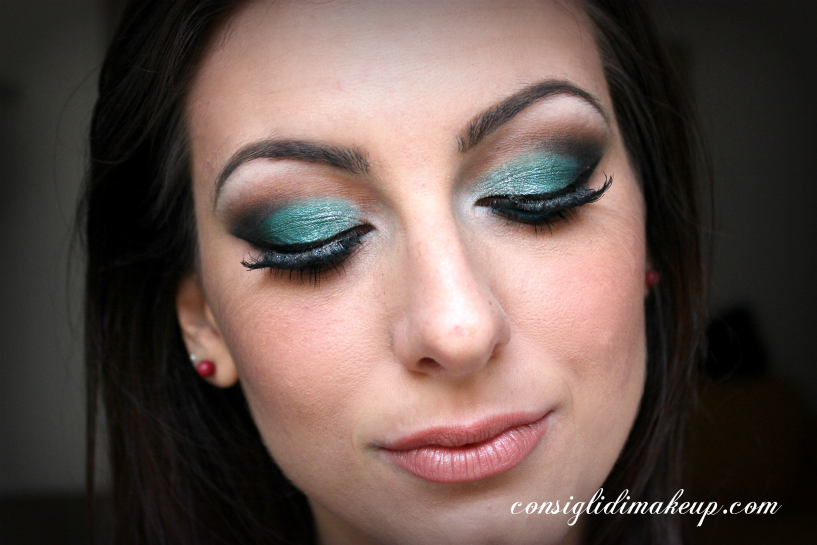 make up teal