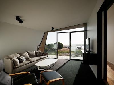 Ruang keluarga rumah pantai