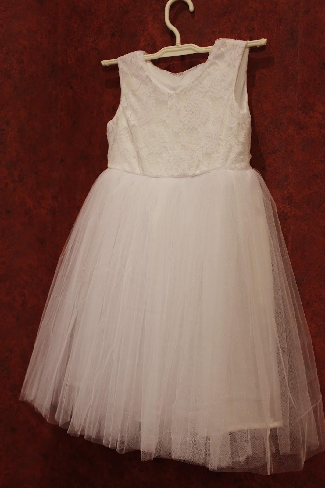 Ажурное платье для девочки: детское, из гипюра, с кружевом 52