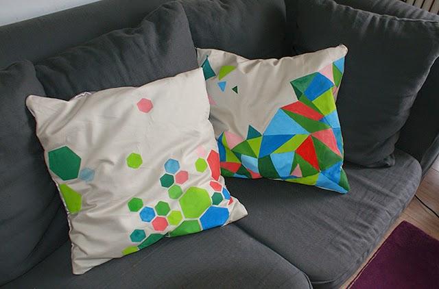 lulusuperglu des coussins en tissu home made. Black Bedroom Furniture Sets. Home Design Ideas