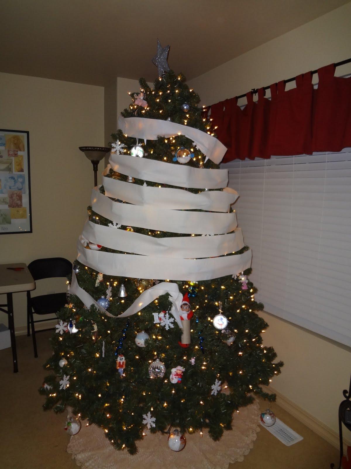 25 christmas crafts elf on the shelf ideas - Christmas Shelf Decorations