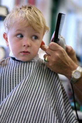 Primo taglio capelli neonato