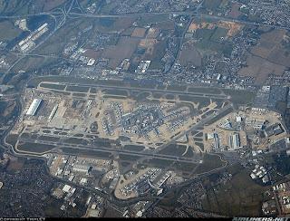 Kode iata bagi bandara ini adalah lhr dan kode icao-nya adalah egll